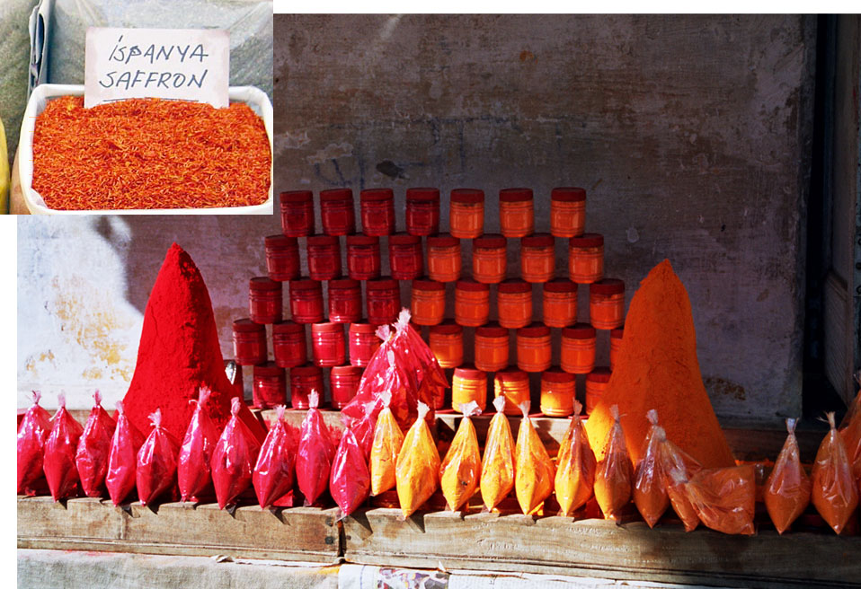 Figure 2. Vermilion and saffron Some early definitions of padmaraga include references to vermilion (above; Pushkar, India) and saffron (inset; 'Ispanya Saffron'). Photos: Wikipedia.