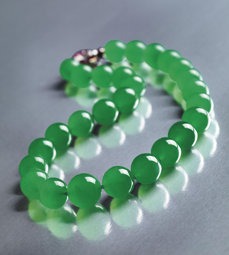 Figure 11. The record price at auction for jade was shattered in April 2014 when the Barbara Hutton-Mdivani necklace was purchased by the Cartier Collection for a staggering US$27.44 million. Image © Sotheby's