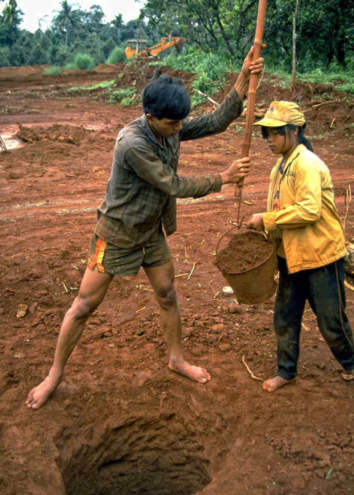 Miners at Khao Ploi Waen
