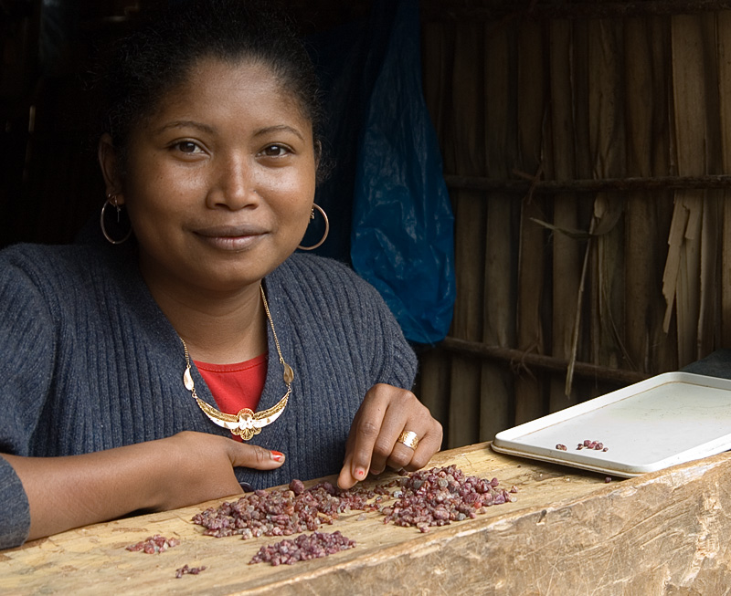 Moramanga ruby on sale in Andilamena. Photo: Richard W. Hughes
