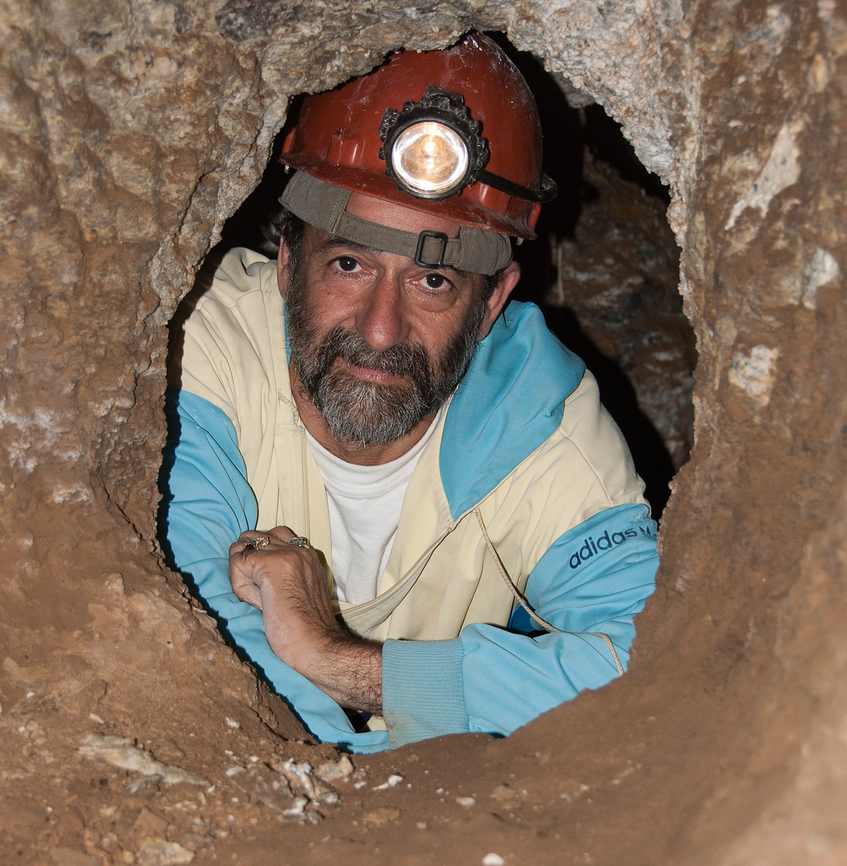 Dana Schorr in the ancient galleries at Tajikistan's Kuh-i-Lal spinel mines. Click on the image for a larger view. Author's photo, 2006