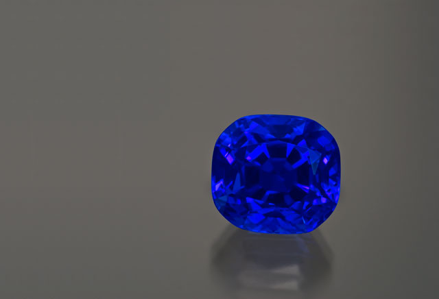 15.42 carats of deep blue wonder. The discovery of gems such as this set the world afire in 1967. Photo: Wimon Manorotkul/Pala International; specimen courtesy of Robert & Phyllis Hughes