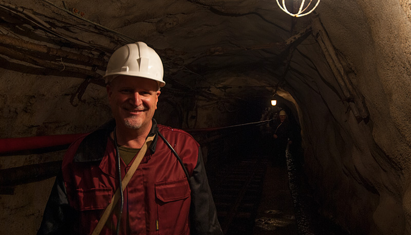 Lotus Gemology Bangkok: Richard Hughes down the hole in Russia's Malysheva emerald mine, July 2006